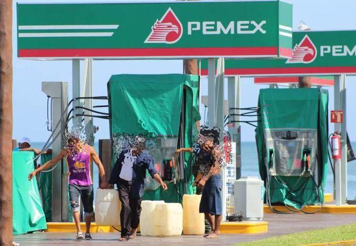El robo de combustible se ha hecho una acción cotidiana en el puerto de Progreso, según pobladores. (Imagen ilustrativa/ Milenio Novedades)