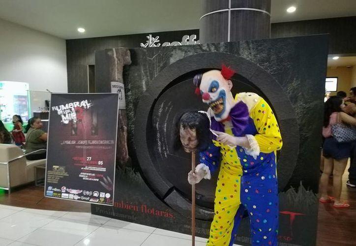 Del 27 de octubre al 5 de noviembre estará en Cancún la famosa casa del terror. (Facebook: El Umbral de los Mie2)
