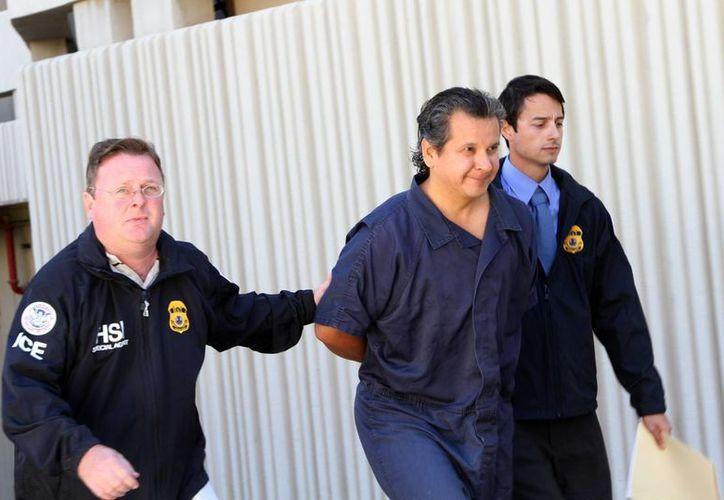 Imagen del 5 de noviembre de 2012, cuando fue detenido Marco Antonio Delgado en El Paso, Texas. (AP)
