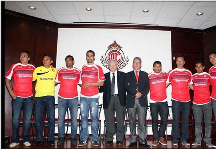 Con cinco regresos y cuatro nuevas incorporaciones, el Toluca dio la bienvenida a los refuerzos de cara al Apertura 2013. (deportivotolucafc.com)