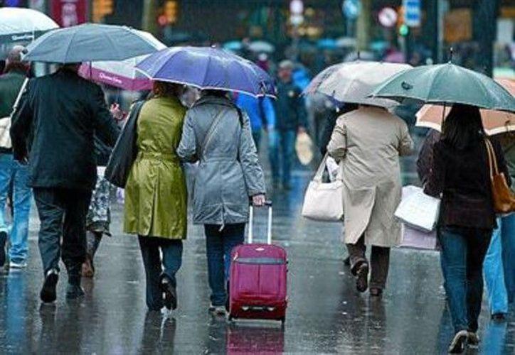 Con la temporada de lluvias aumentan las enfermedades comunes, principalmente de las vías respiratorias. (Contexto/Internet).