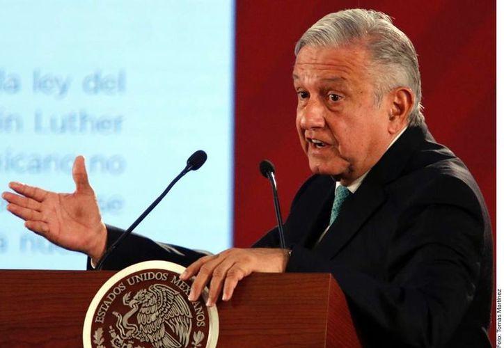 """De no cumplirse dicha """"recomendación"""", advierte el Presidente, se podría caer en actos de deshonestidad. (Foto: Reforma)"""