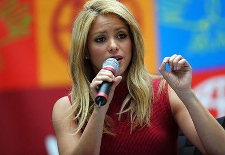 Estoy muy feliz de formar parte de #TheVoice, al lado de talentosos colegas, declaró Shakira en Twitter. (Notimex/Archivo)