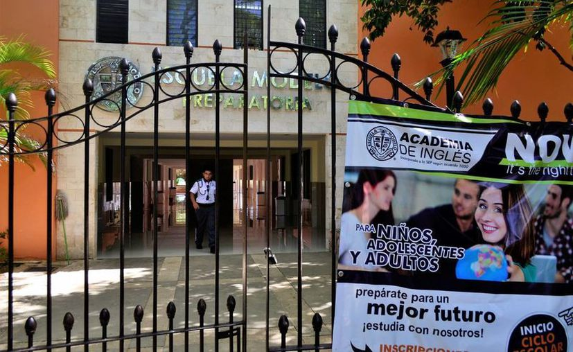 Una escuela de Mérida se vio obligada a expulsar a tres hermanos porque uno de ellos publicó amenazas en redes sociales. (Daniel Sandoval/SIPSE)