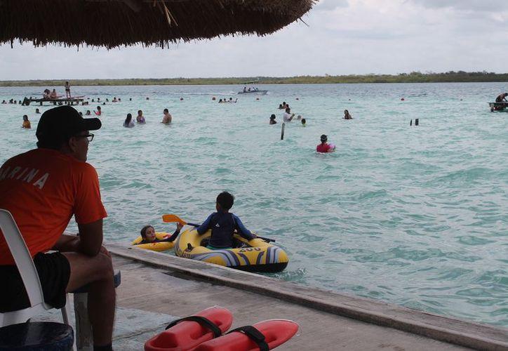 Durante la Semana Mayor ingresaron alrededor de mil 400 personas al día a los balnearios. (Javier Ortiz/SIPSE)