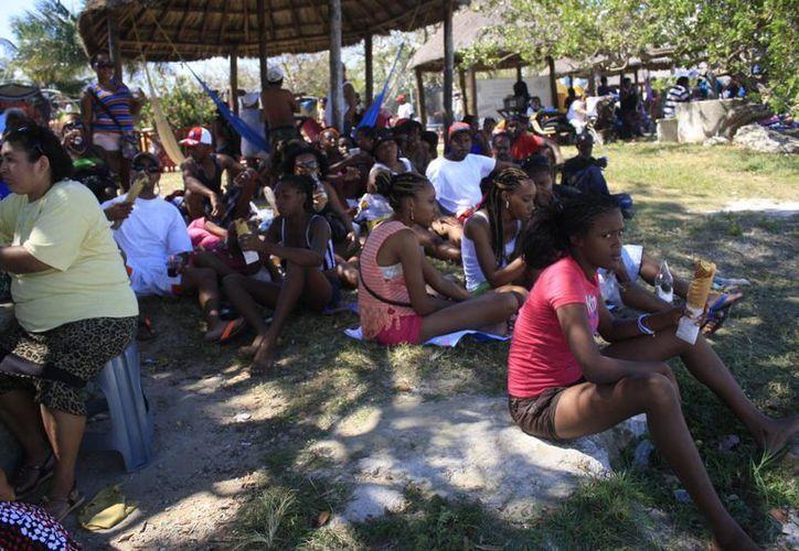 El flujo turístico proveniente de Belice regresaría a Chetumal de lograrse la iniciativa de Ley. (Harold Alcocer/SIPSE)