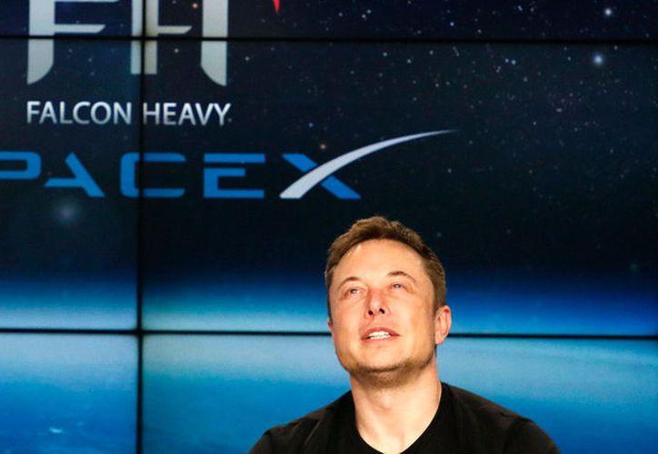 El fundador de SpaceX, Elon Musk, publicó 'accidentalmente' en la red social Twitter, supuesta contraseña de Internet para Starlink. (Foto: RT)