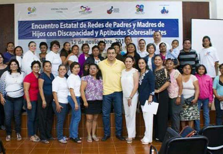 Padres de personas con discapacidad exigen la renuncia de Marisol Alamilla por hacer comentarios discriminatorios. (Jesús Caamal/SIPSE)