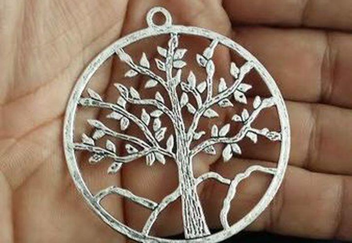 Este es el amuleto denominado 'árbol de la vida', que cuida a las personas que entran al monte. (Fotos: Jorge Moreno/SIPSE)
