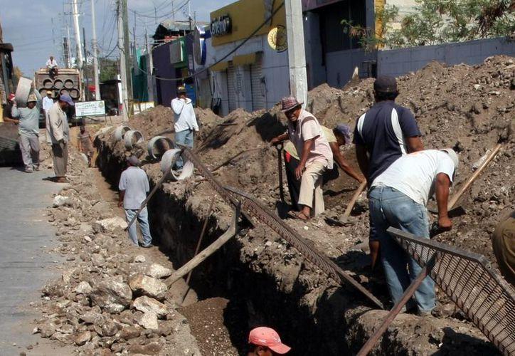 Comisarías serán beneficiadas con la ampliación de la red de agua potable. (Milenio Novedades)
