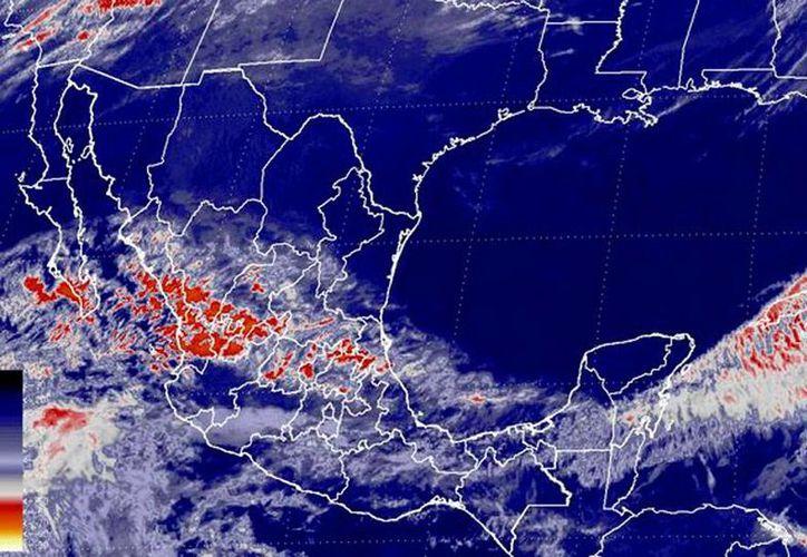 El Servicio Meteorológico Nacional (SMN) pronosticó para esta noche lluvias aisladas en diversas entidades del centro y sur del país debido a vientos máximos de altura y el flujo de humedad proveniente de los litorales.- (SMN/Conagua)
