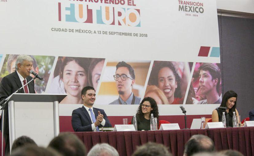 """A través de redes sociales se ha ventilado que hay empresas que ofrecen a jóvenes firmar un contrato con ellas a cambio de entregar parte de la beca """"Jóvenes Construyendo el Futuro"""". (Internet)"""