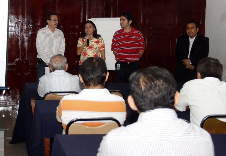 Convoca Canacintra a representantes de más de 70 empresas del sector industrial para escuchar ponencia. (SIPSE)