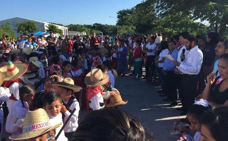 En Atlixco participan más de 3 mil personas en el Desfile
