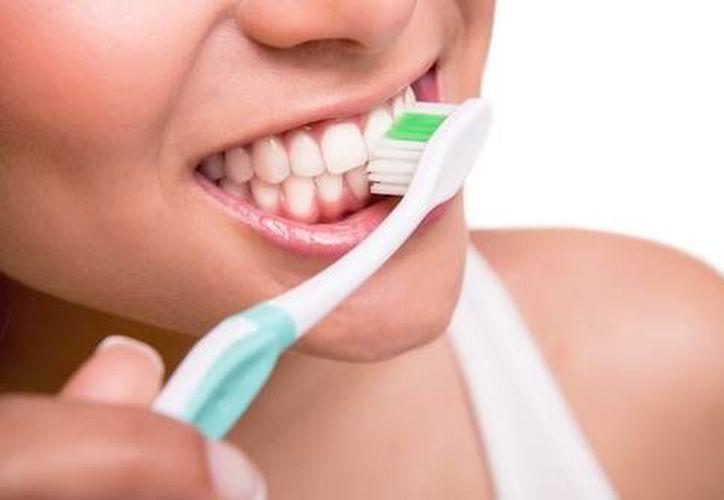La periodontitis se ha asociado con diversas enfermedades crónicas como diabetes y cardiopatías.  (Contexto/Internet)