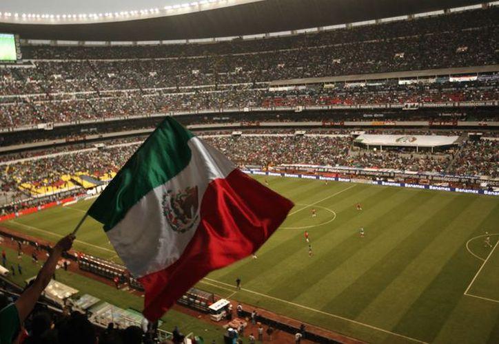 La Federación Mexicana de Fútbol pagará 10 mil francos por agresiones de aficionados que asistieron al encuentro ante Costa Rica. (Foto: Contexto/Internet)
