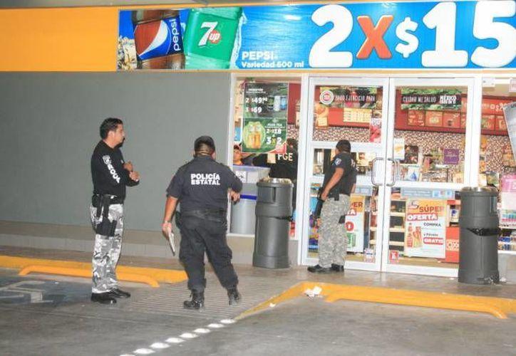Dos hermanos se confabularon para asaltar con un arma en una tienda Oxxo del Centro de Mérida. Uno está preso y el otro libre, pero bajo ciertas condiciones. (SIPSE/Foto de contexto)