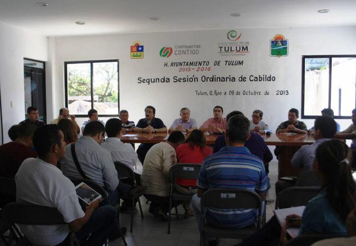 Reunión de los integrantes del Cabildo de Tulum. (Rossy López/SIPSE)