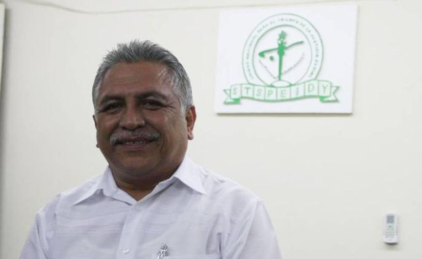 Jervis García Vázquez, líder de los burócratas, informó que buscarán obtener un aumento salarial de un ocho por ciento que entraría en vigencia el próximo año. (Milenio Novedades)