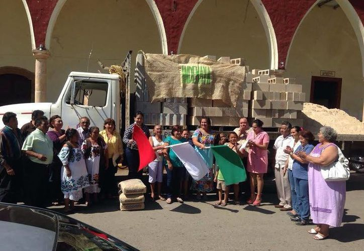 Imagen del arranque del apoyo de insumos para familias de migrantes en municipios de Yucatán. (Milenio Novedades)