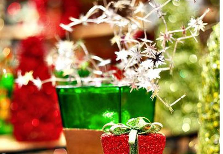 El análisis menciona que 30% de los usuarios utilizarán su aguinaldo para comprar regalos. (Agencia Reforma)