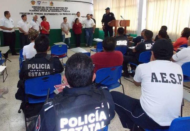 Durante la capacitación participaron 20 elementos de la policía. (Redacción/SIPSE)