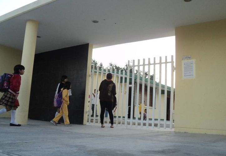 Algunos alumnos se incorporan por primera vez al sistema educativo del estado. (Adrián Barreto/SIPSE)