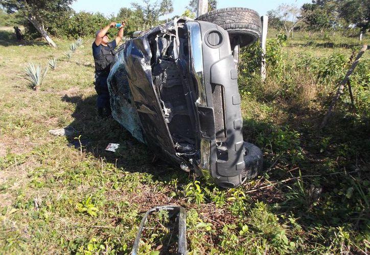 Autoridades concientizan a los conductores para evitar tragedias. (Redacción/SIPSE)