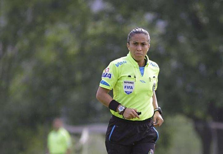 Lucila Venegas Montes pitará juegos del torneo olímpico de futbol, en Río de Janeiro, Brasil. (femexfut.org.mx)
