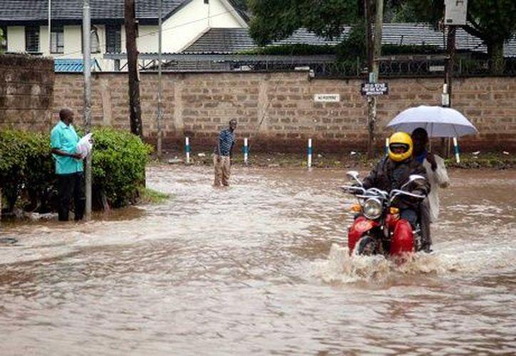 Hiribae Mame es una de las aproximadamente 200 mil personas que se han visto obligadas a evacuar. (Excélsior)