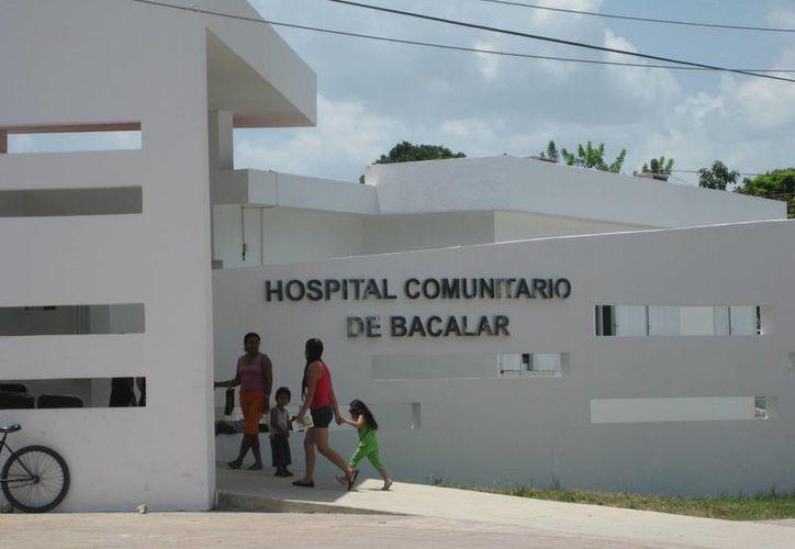 En está campaña masiva esperan que todos los niños reciban sus vacunas en Bacalar. (Javier Ortiz/SIPSE)