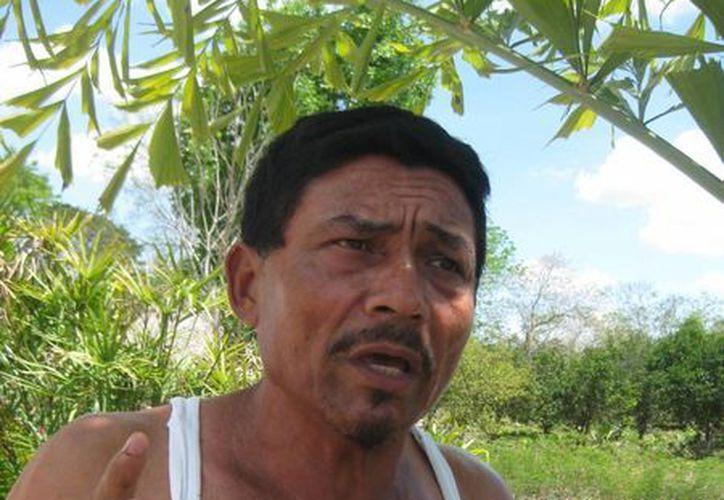 Durante su plática se notó la emoción a flor de piel por la labor que ha desempeñado. (Javier Ortiz/SIPSE)