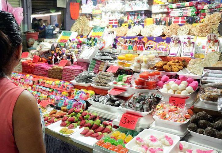 En los últimos días se elevó la venta de dulces tradicionales. (Foto: Jorge Acosta)