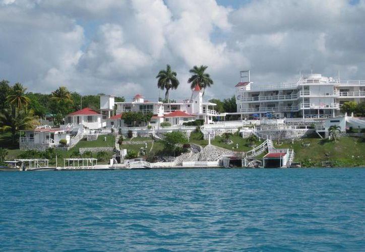 La promovente Canribe Inmobiliaria y Desarrolladora, S.A de C.V., establece que encontró en Bacalar un sitio ideal para establecer un proyecto turístico . (Redacción/SIPSE)