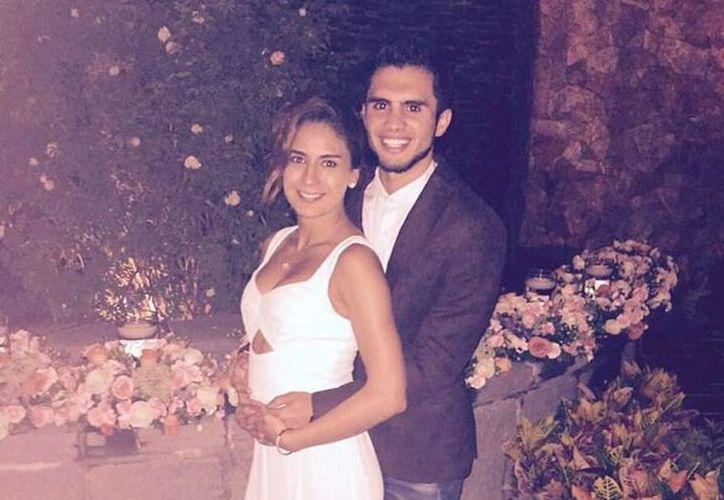 La medallista olímpica Paola Espinosa y el clavadista Iván García anunciaron que serán papás. (Twitter @PaolaEspinosa)