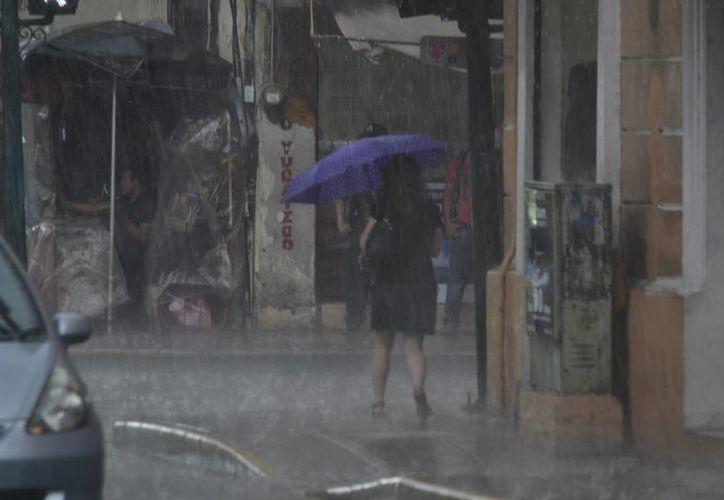 No se descarta que para este miércoles las lluvias en Yucatán estén acompañadas de actividad eléctrica y vientos fuertes. (SIPSE)