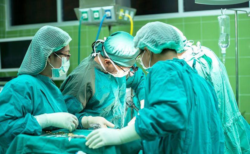 Una mujer de 66 años sufrió la amputación de la pierna equivocada, en una clínica de Argentina. (Pixabay)