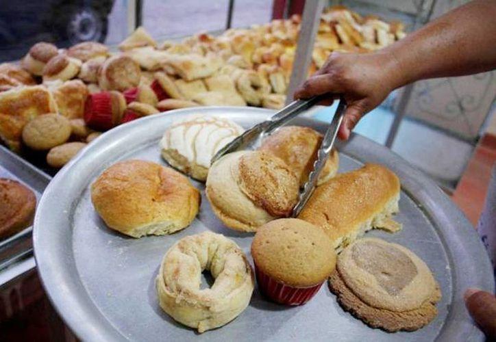Los hogares mexicanos destinan 37 por ciento de su gasto en alimentos, de estos el 21.1 por ciento son para la compra de panes y cereales. (Archivo/SIPSE)