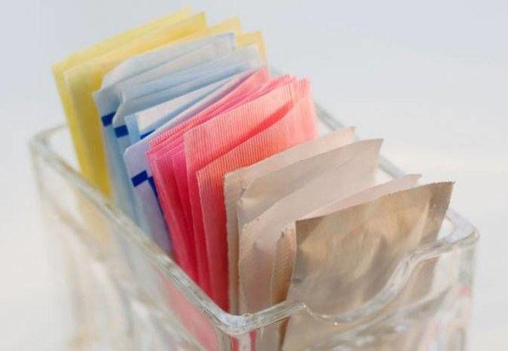 Los sustitutos de azúcar existen desde hace más de cien años, pero fue hasta las últimas décadas que se popularizaron. (Imagen tomada de thedailymeal.net)