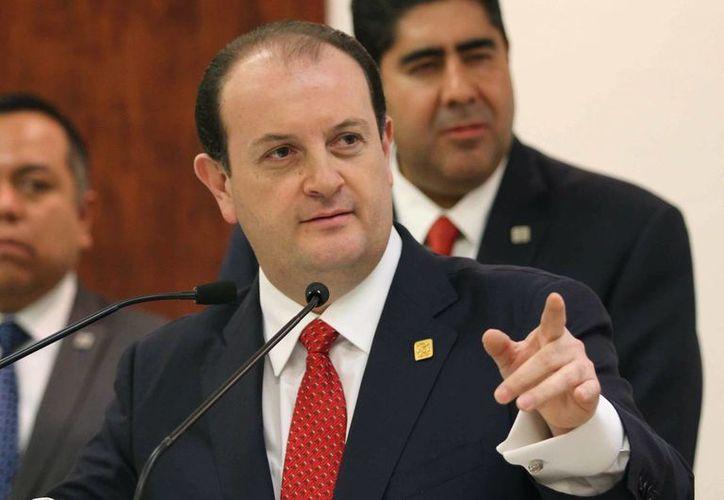 El procurador capitalino, Rodolfo Ríos Garza (en imagen de archivo), dijo que la empresa de traslado de valores Tecnoval no reconoce como empleados a ninguno de los presuntos responsables. (Archivo/Notimex)