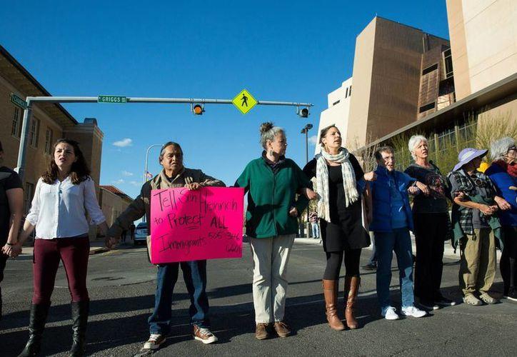 """Se está planificando realizar la protesta """"Un día sin inmigrantes"""" en ciudades norteamericanas como Filadelfia, Washington, Boston y Austin. (AP)"""