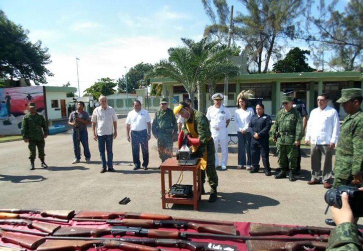 Imagen de contexto de una  ceremonia de Destrucción de armamento asegurado puesto a disposición de la Secretaría de la Defensa Nacional por parte de autoridades judiciales y ministeriales. (Milenio Novedades)