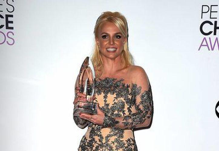 Britney Spears estuvo presente en el People's Choice Awards 2014 donde recibió el premio Artista Pop Favorita. (Internet)