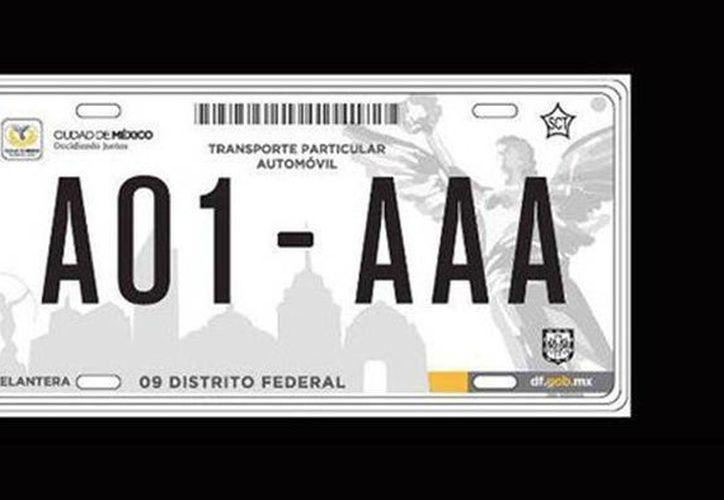 as placas de vehículos tendrán que cambiar su nomenclatura de Distrito Federal a Ciudad de México. (Milenio)