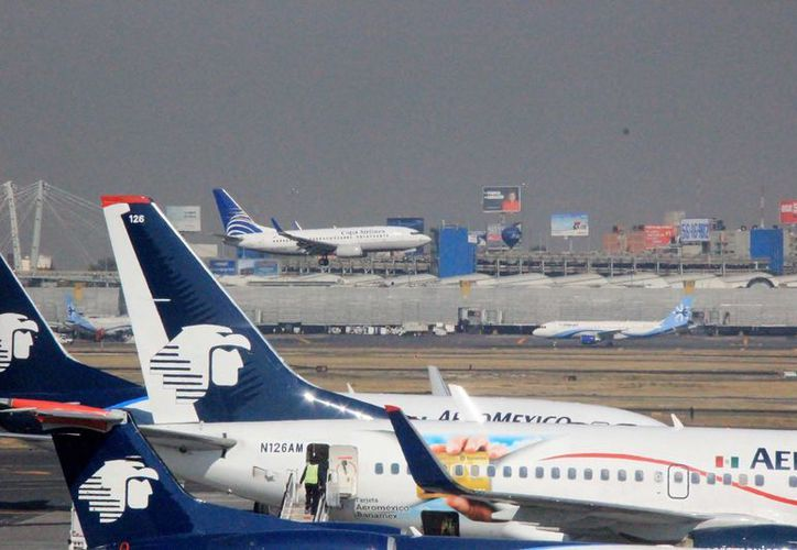 Autoridades de turismo promueven el vuelo directo de Aeroméxico entre Cozumel y la Ciudad de México. (Gustavo Villegas/SIPSE)