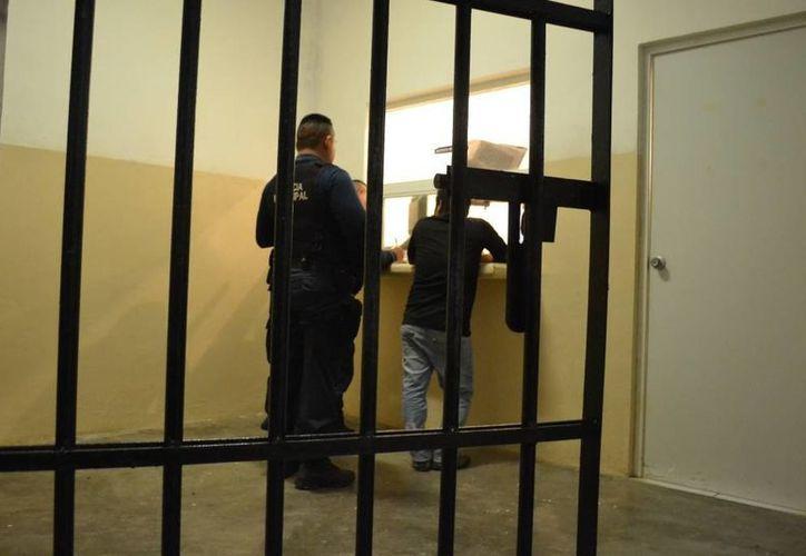 Eduardo fue trasladado a la cárcel municipal por 36 horas. (Redacción/SIPSE)