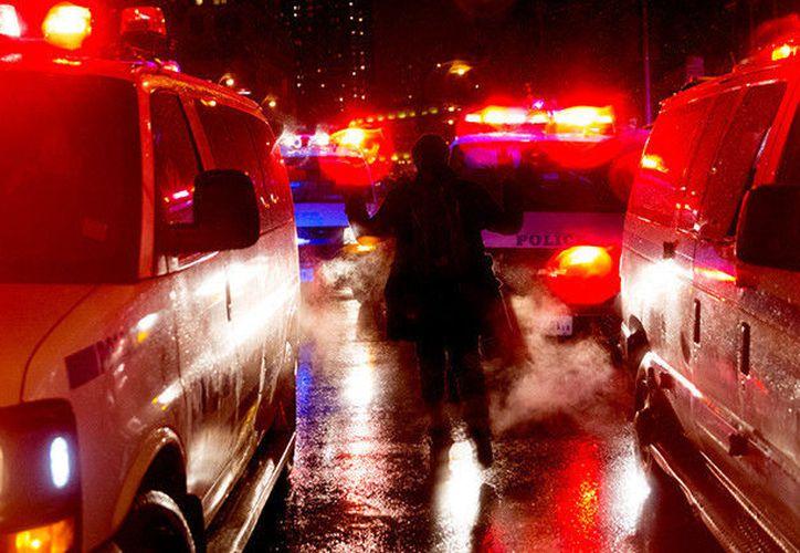 El rehén, una persona de 16 años, salió ileso del tiroteo. (RT)