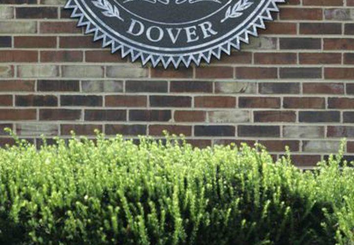 Imagen de archivo muestra un cártel en la entrada de la Universidad Estatal de Delaware en Dover. (Archivo/AP)
