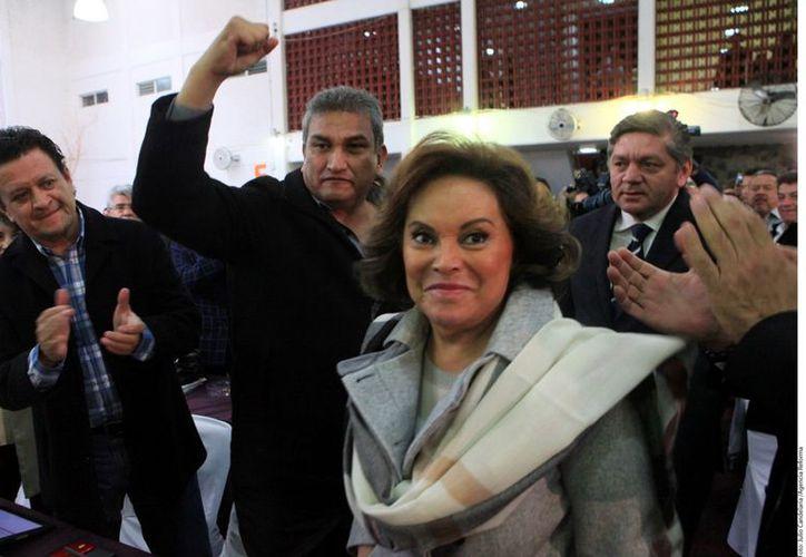 Miguel Alonso Raya asegura que la reforma pondrá orden al caos que el SNTE dirigido por Elba Esther provocó. (REFORMA)