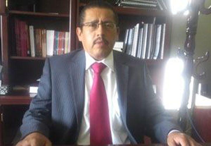 El diputado tricolor Ramiro Vázquez Ramos notificó hasta el final que su hijo sería el protagonista del evento. (www.agendatlaxcala.com)